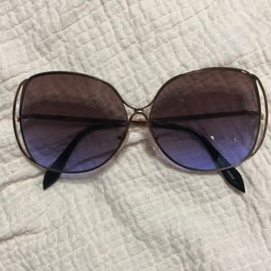 Oversized sunglasses gradient, mauve to purple